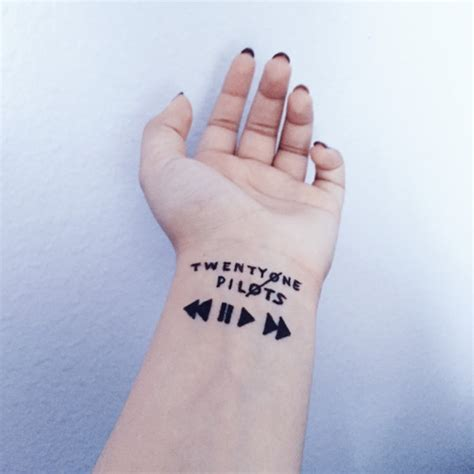 30 elegant upside down wrist tattoos