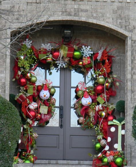 beautiful christmas doors with flower ornament