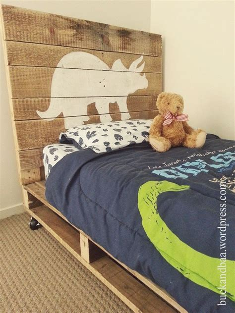 dinosaur bedroom accessories best 20 dinosaur bedding ideas on pinterest dinosaur
