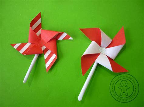 manualidades bandera del peru manualidad fiestas patrias remolino de papel galletita