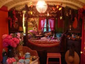 Gypsy Bedroom Decor Liz Blair S Art Design And Fashion Gypsy Caravan