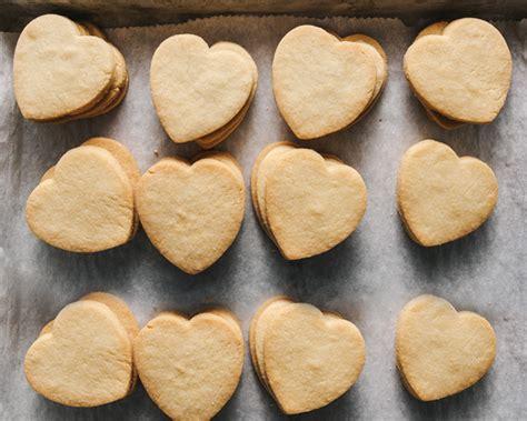 kalp kurabiye kalp kolay kurabiye tarifleri