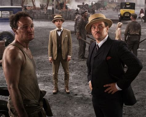 did hollywood give the 1920s a boob job gatsby costume