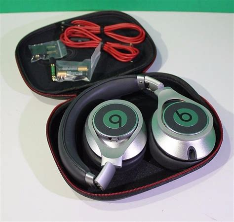Beats Executive Sliver Ear Headphone Pro Original Paling Murah beats by dr dre executive silver reverb