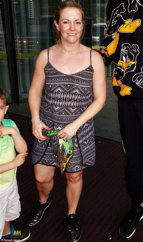 Sabrina Syari Black joan hart goes casual while sightseeing in sydney