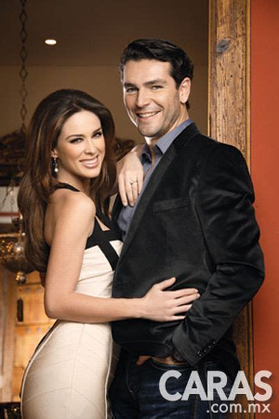 mart n fuentes y jacqueline bracamontes pictures to pin on pinterest 301 moved permanently