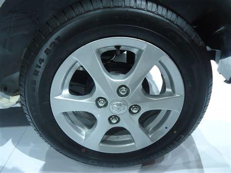 Lu Rem Belakang Agya Herwono Banyu Alas Harga Spesifikasi Detail Toyota Agya