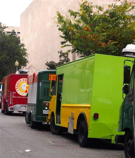 food trucks in and around foggy bottom