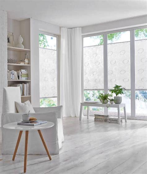 Plissee Wohnzimmer by Die Besten 25 Wohnzimmer Jalousien Ideen Auf