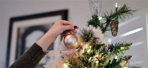 should you get a real or artificial christmas tree for