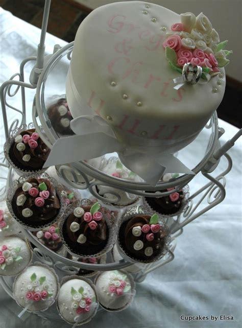 vintage themed wedding cupcakes cupcake ideas