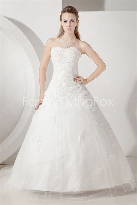 Pretty Sweetheart Neckline Sleeveless Ball Gown Lace Wedding Dresses at fancyflyingfox.com