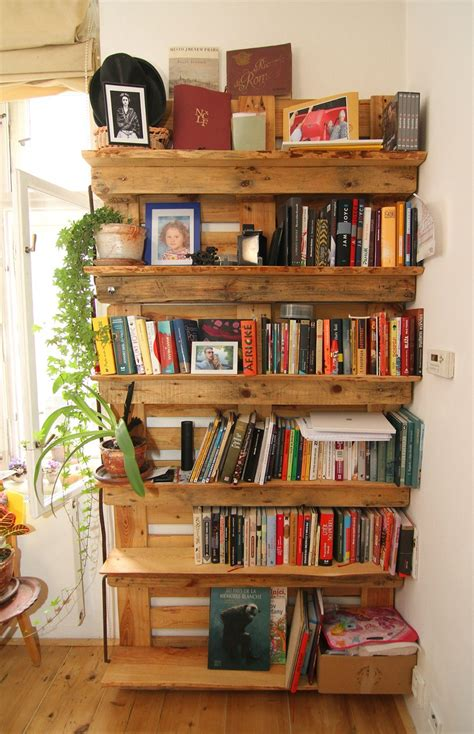 libreria pallet librerie con i pallet 5 idee originali con materiali di