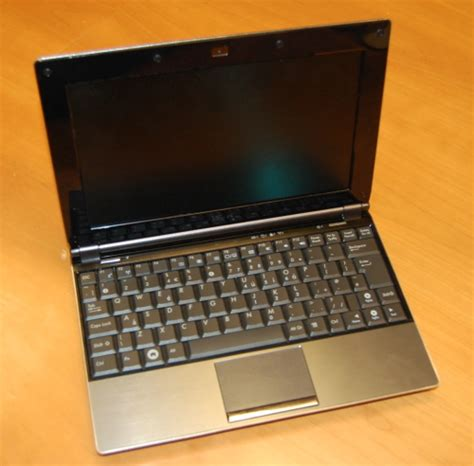 Keyboard Laptop Asus Eee Pc 1000 904 S101 1002 905 asus eee pc 1002ha on and looks a lot like the s101