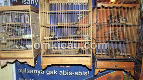 Tempat Makan Burung Gantung ak sangkar gantung praktis ekonomis dan hemat
