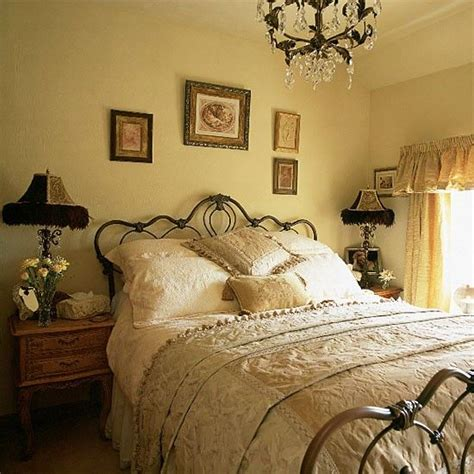 victorian bedroom decorating ideas 25 best ideas about victorian bedroom decor on pinterest