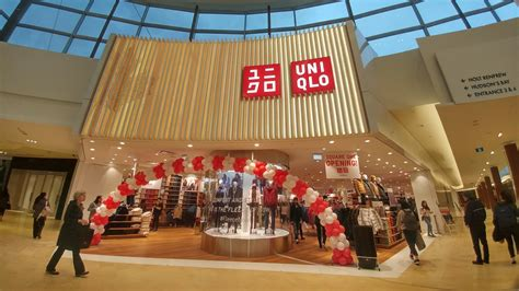 biggest japanese stores   open  square