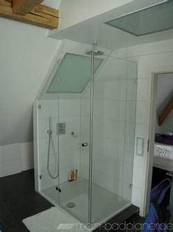 duschkabine unter dachschräge duschkabine schr 228 ge wand
