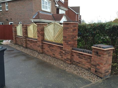 Finchcraft 100 Feedback Bricklayer Carpenter Joiner Garden Wall Fencing