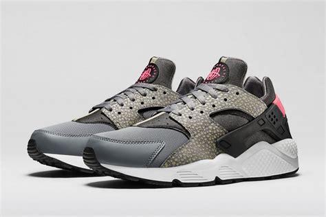 Sepatu Nike Nike Air Huarache Run Original nike air huarache running original