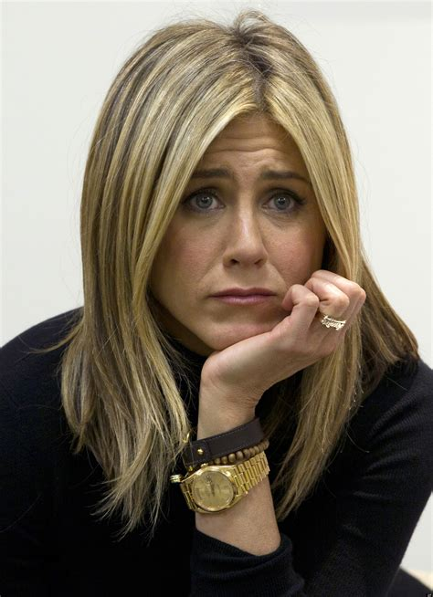 jennifer aniston rolex 10 pictures where jennifer aniston looks sad today in cats