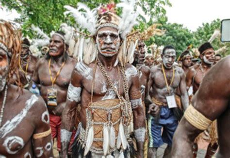 Kaos Papua Anak Wamena Asli mengenal suku asli papua suku asmat yang mendunia kabar rantau
