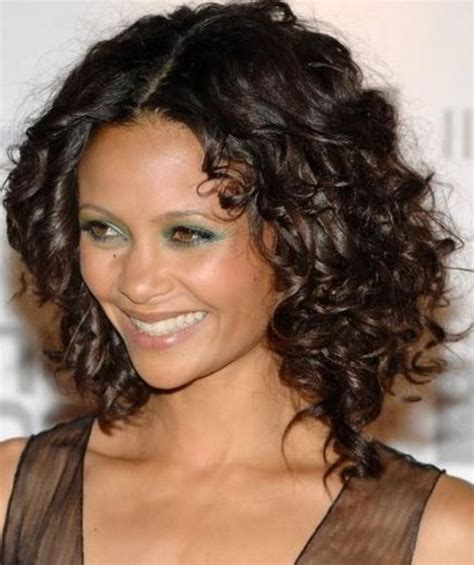 Hairstyles For Curly Medium Hair by Medium Curly Hairstyles Hairstyles Weekly