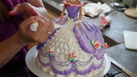 How Make Cake Decorations by How To Add A Hat To A Doll Cake Cake Decorating