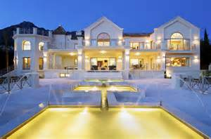 Pool Houses With Bathrooms Ultimate Contemporary Mansion In Spain Homes Of The Rich