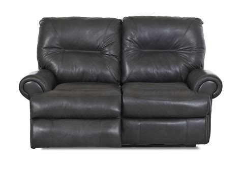 traditional reclining sofa roadster traditional reclining loveseat by klaussner