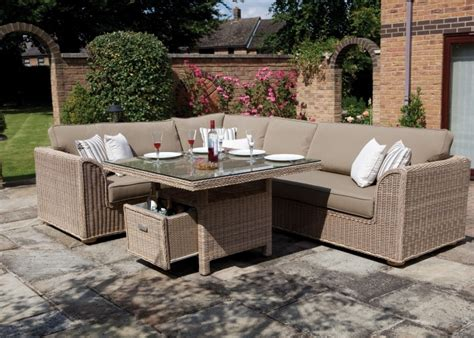 outdoor furniture hamilton dining set consisting of