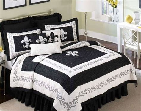 Fleur De Lis Bed Set Another Fleur De Lis Bedding Set Fleur De Lis Stuff Pinterest Chang E 3 Comforter And