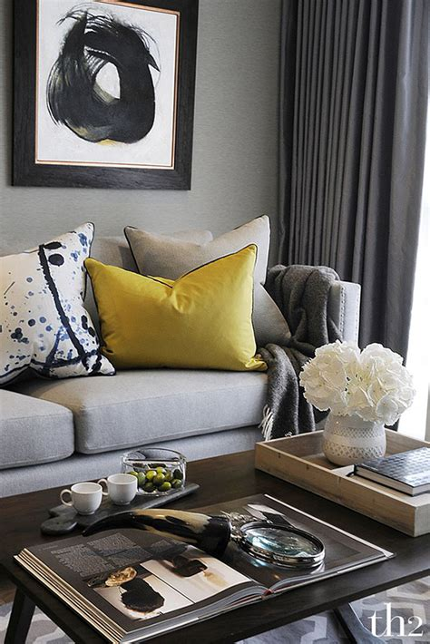 simple ways to decorate your living room 9 easy ways to freshen up your living room so chic