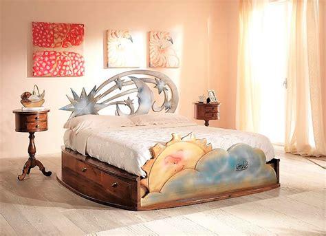 comodini con cassetti letto con cassetti in legno massello stella cometa con