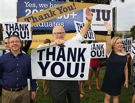 Mba In Miami Dade College by Fiu President Rosenberg Thanks Miami Dade Residents For
