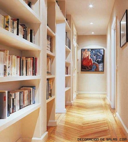 decorar pasillos con estanterias ideas para decorar un pasillo largo y estrecho