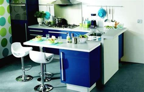 Incroyable Plan De Travail Pour Bar De Cuisine #2: un-coin-repas-integre-dans-une-cuisine-de-pro_48327141.jpg