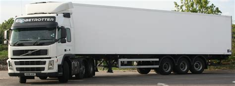 trailer volvo file volvo fm14 globetrotter tractor with refrigerated