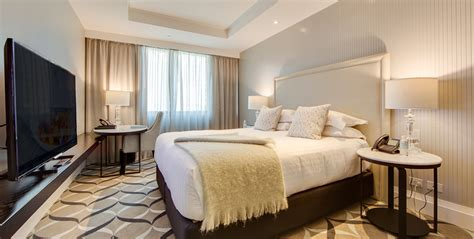 bid on hotel room executive luxury king room mayfair hotel