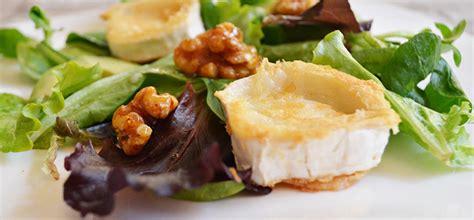 ensalada de queso de cabra y nueces ensalada tibia de queso de cabra manzana y nueces