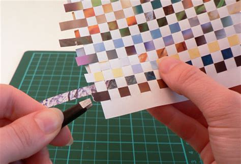 How To Make A Paper Weave - planetjune by june gilbank 187 paper weaving