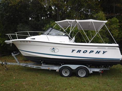 bayliner 2352 trophy walkaround boats bayliner trophy boats for sale boats