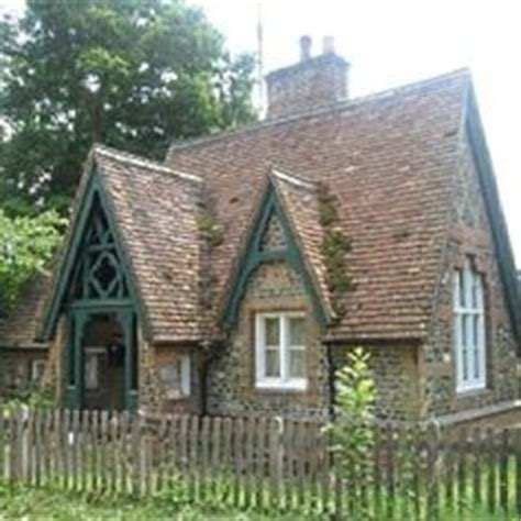 tiny victorian cottage design mom 1000 images about from cottage to castle on pinterest