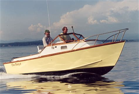 wooden powerboat plans everday plans for building a wooden boat and the reasons