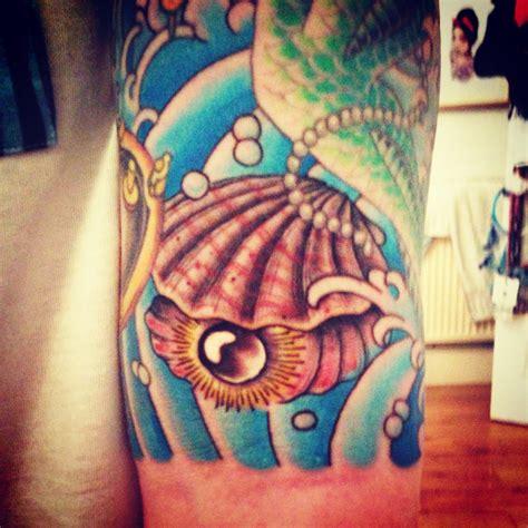 clam tattoo mermaid clam www imgkid the image kid has it