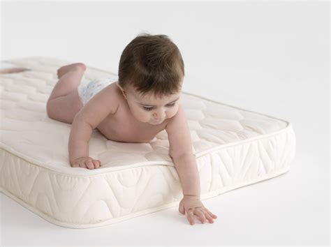 What To Look For In A Crib Mattress Baby Cot Mattress Black Cribs