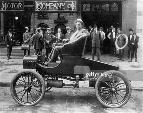 founder of ford henry ford founder of ford motor company photos images