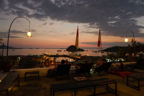 cafe food  sunset  labuan bajo mixed