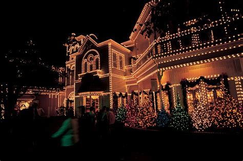 pigeon forge lights your guide to pigeon forge light tours