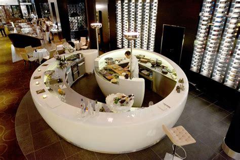 Corian Theke by Sushibar Im Hyatt Regency Hotel Aus Corian Hasenkopf